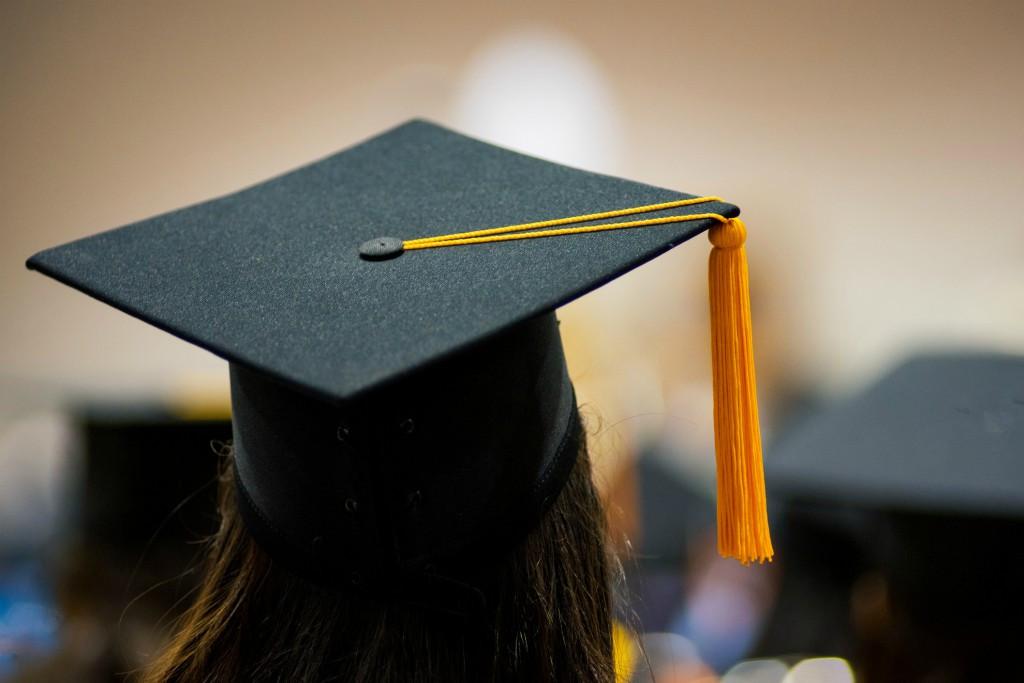 gelar akademik dan manfaatnya